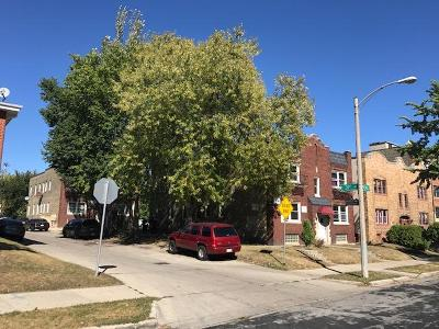 Milwaukee County Multi Family Home For Sale: 3030 W Pierce St #3032
