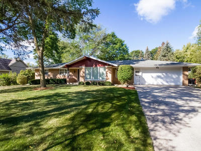 Menomonee Falls Single Family Home Active Contingent With Offer: W149n7611 Sylvan Ln