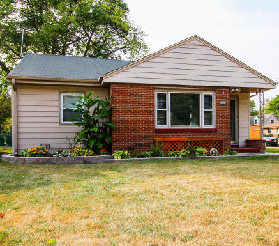 West Allis Single Family Home Active Contingent With Offer: 2603 S 86th St