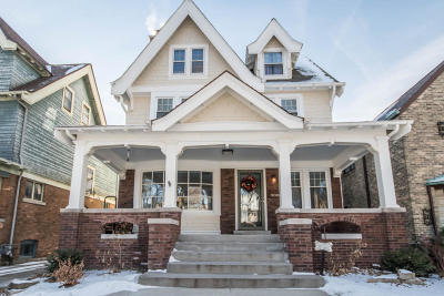 Milwaukee Single Family Home For Sale: 3061 N Hackett Ave