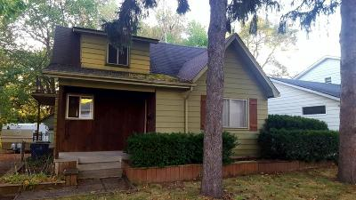 Milwaukee Single Family Home Active Contingent With Offer: 3433 S 96th St