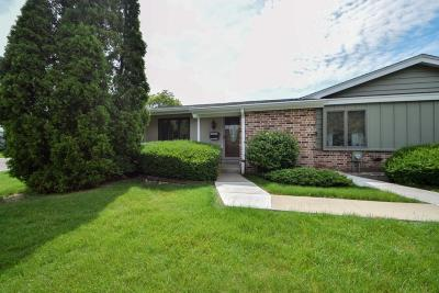 Greenfield Condo/Townhouse For Sale: 5273 Woodbridge Ln S