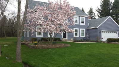 Ozaukee County Single Family Home Active Contingent With Offer: 11545 N Bobolink Ln