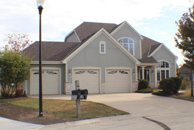 Racine Single Family Home Active Contingent With Offer: 6000 Trefoil Cir