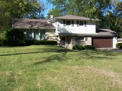 Brookfield Single Family Home Active Contingent With Offer: 12980 Cardinal Crest Dr