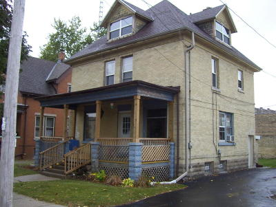 Watertown Single Family Home For Sale: 204 S 4th St