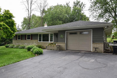 Cedarburg Single Family Home Active Contingent With Offer: 1902 Covered Bridge Rd