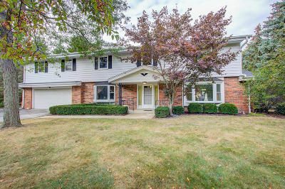 Brookfield Single Family Home For Sale: 18270 Lamplighter Ln