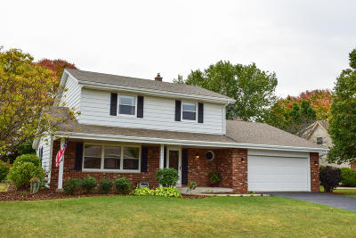Racine Single Family Home Active Contingent With Offer: 5021 Mary Drew Dr