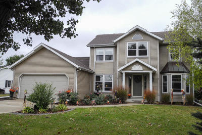Muskego Single Family Home Active Contingent With Offer: S86w18392 Sue Marie Ln