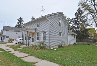 Watertown Single Family Home For Sale: 218 Emerald St