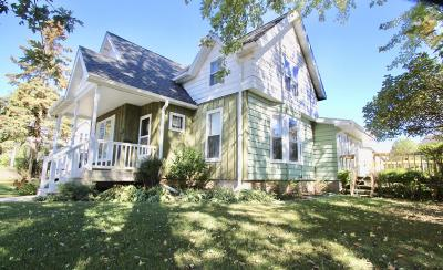Lake Mills Single Family Home Active Contingent With Offer: 552 W Madison St