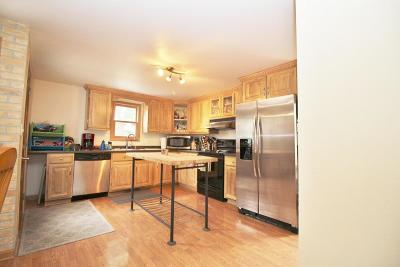 Watertown Single Family Home For Sale: 213 S Montgomery St