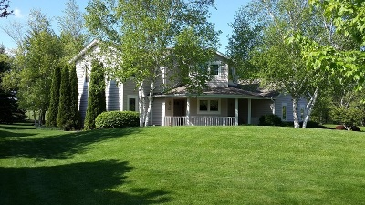 Muskego Single Family Home Active Contingent With Offer: S76w16100 Bridgeport Way