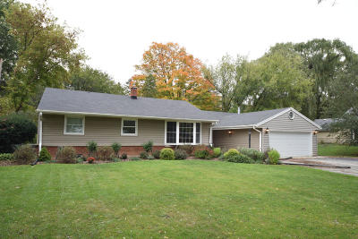Brookfield Single Family Home For Sale: 3120 Pilgrim Rd