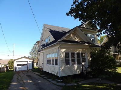 Plain WI Single Family Home Active Contingent With Offer: $65,000