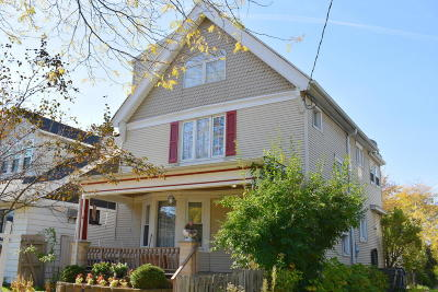 Milwaukee Single Family Home For Sale: 2619 S Wentworth Ave