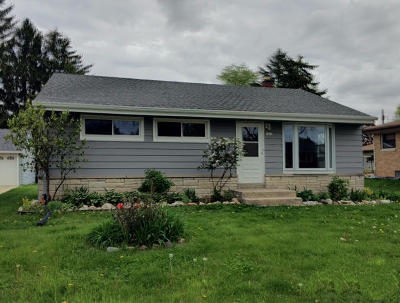 West Allis Single Family Home For Sale: 2840 S 104th St