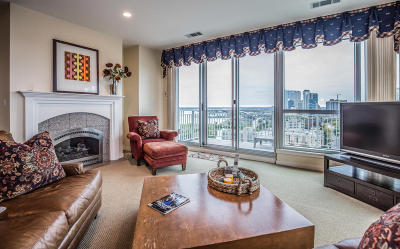 Milwaukee Condo/Townhouse For Sale: 1522 N Prospect Ave #1702