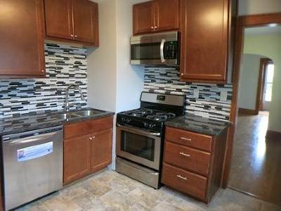 West Allis Single Family Home For Sale: 9235 W Hayes Ave