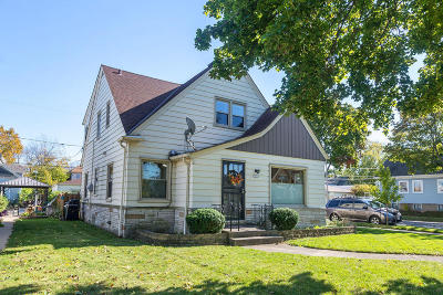 Milwaukee Two Family Home Active Contingent With Offer: 3376 S 19th St #3376A