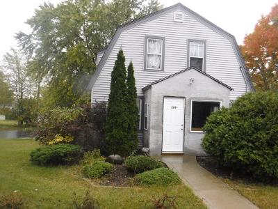 Watertown Single Family Home For Sale: 224 Summit Ave
