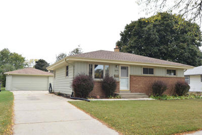 West Allis Single Family Home For Sale: 2841 S 102nd St