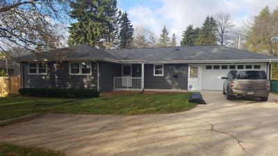 Cedarburg Single Family Home For Sale: W61n319 Washington Ave