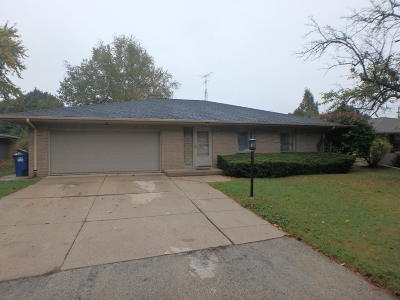 Racine Single Family Home For Sale: 3240 Wheelock Dr