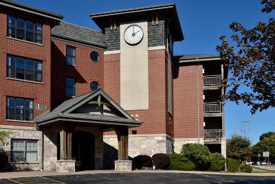 Waukesha County Condo/Townhouse For Sale: 100 E Main St #UNIT 332