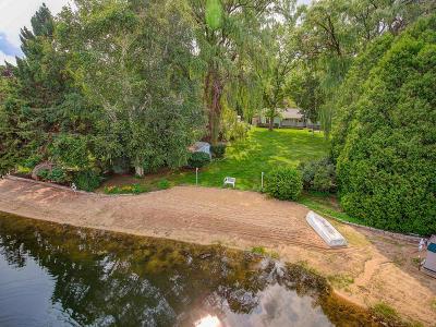 Glendale Single Family Home For Sale: 6840 N Glen Shore Dr