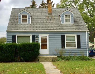 Milwaukee County Single Family Home For Sale: 5033 N 63rd St