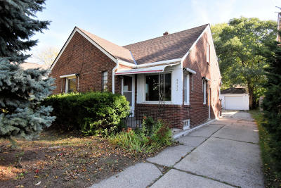 Whitefish Bay Single Family Home For Sale: 5732 N Lydell Ave