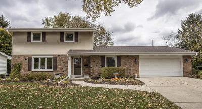 Ozaukee County Single Family Home Active Contingent With Offer: N37w6630 Wilson St