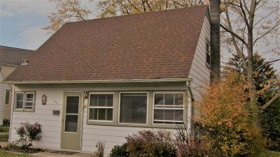Waukesha County Single Family Home For Sale: 1450 Cleveland Ave