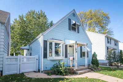 Milwaukee County Single Family Home For Sale: 3771 S Logan Ave