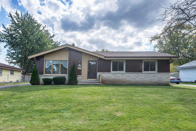 Menomonee Falls Single Family Home For Sale: N84w18045 Imperial Ct
