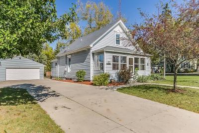 Kenosha Single Family Home For Sale: 8300 12th St