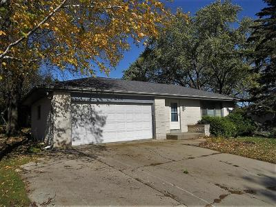 Single Family Home For Sale: 216 Bittersweet Dr