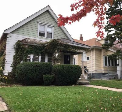 Milwaukee Single Family Home For Sale: 3019 N Oakland Ave