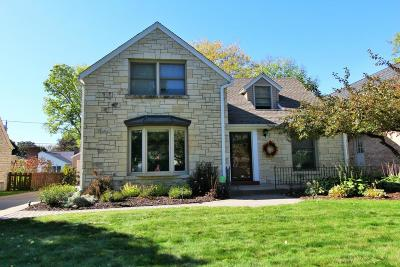 Milwaukee County Single Family Home Active Contingent With Offer: 2435 N Swan Blvd