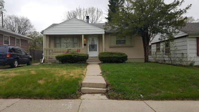 Milwaukee Single Family Home For Sale: 5727 W Custer Ave