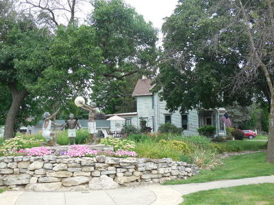 Fort Atkinson Single Family Home For Sale: 332 Riverside Dr