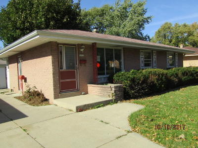 Milwaukee Single Family Home For Sale: 3957 S 60th St