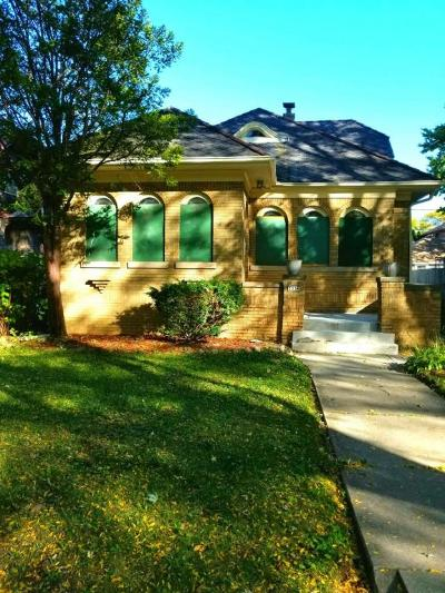Milwaukee Single Family Home For Sale: 3336 N 45th St