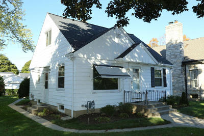 Milwaukee Single Family Home For Sale: 2919 N 78th St