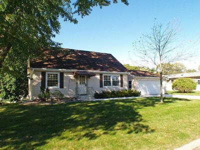 Single Family Home For Sale: 4108 Bank Dr