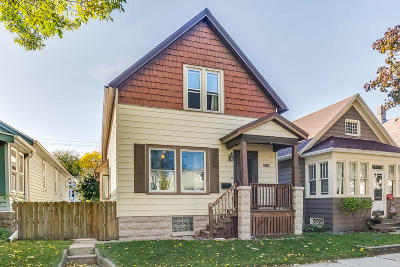 Milwaukee Single Family Home For Sale: 2541 S Austin St