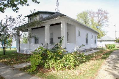 Single Family Home For Sale: 911 Edwards St