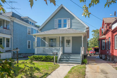 Kenosha Single Family Home For Sale: 6526 5th Ave